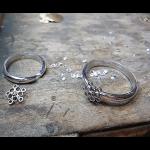 お花のモチーフリング お母様の指輪。