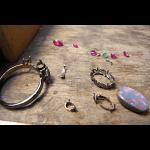 ブラックオパールと誕生石のセットされたリング
